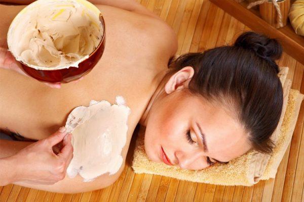 Cách tắm trắng bằng bột cám gạo chỉ với vài bước đơn giản tại nhà